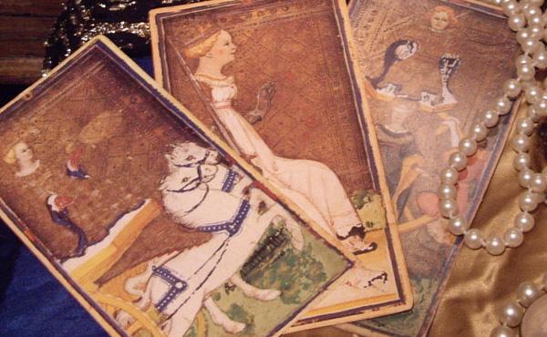 Almas en pena, historia del Tarot